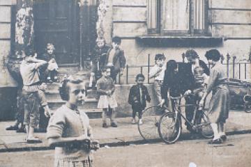 Photograph of Children St Stephens Gardens London, 1957 copyright Roger Mayne