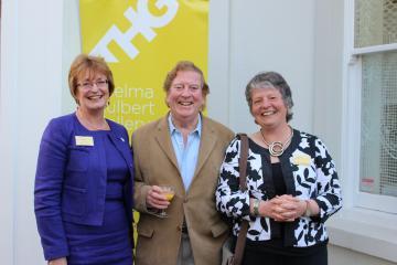 Heather Penwarden (Honiton Dementia Action Alliance), Alan Cotton (artist and patron), Sue Holland (Organiser)